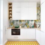 3-mobila alba si faianta colorata blat lemn natur bucatarie mica apartament amenajare 2019
