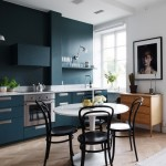 3-mobila bucatarie verde inchis asortata cu peretele