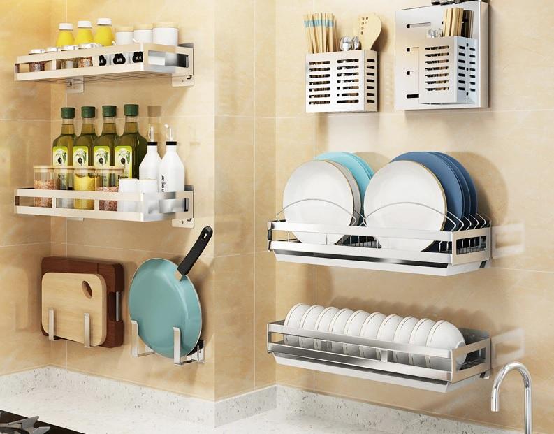 modele picuratoare vase suport accesorii si condimente bucatarie montare perete