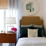 3-oglinda rotunda in rama de lemn decor perete dormitor