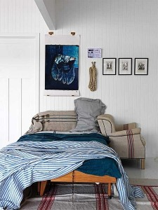 3-pat asezat gresit imediat langa usa de intrare in dormitor