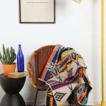 3-patura cu imprimeu etnic multicolor si lampadar galben din metal