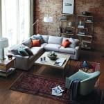 3-perete-caramida-aparenta-living-modern-cu-accente-industriale