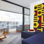 3-perete de sticla apartament modern cu tavane joase