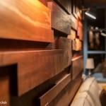 3-pereti placati cu bucati din lemn design by Marius Teicu