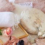 3-pernute decorative in huse din matase cu imprimeu floral chic