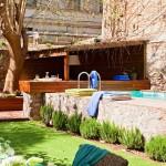 3-piscina curte interioara casa din oras spania