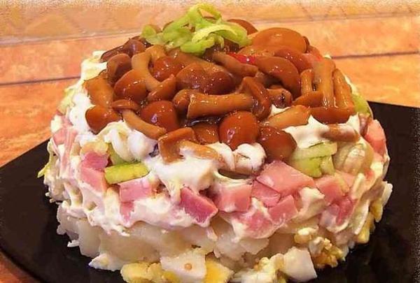 3-salata cu ghebe murate si sunca sau bacon