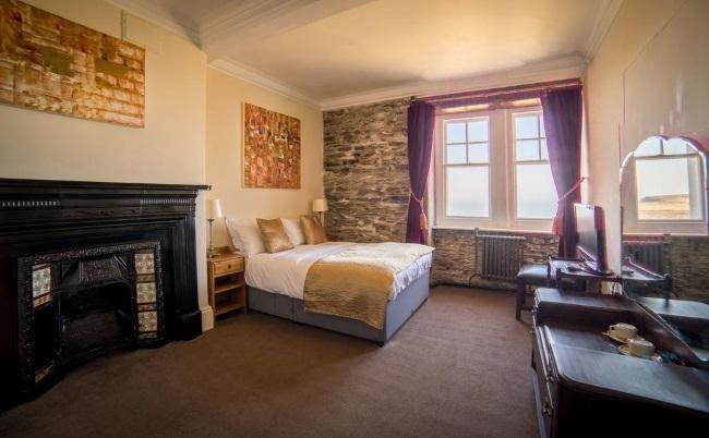 semineu camera hotel Camelot Castle Anglia