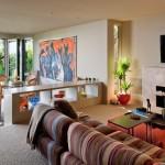 3-separare loc de luat masa de zona de conversatie cu ajutorul unei etajere