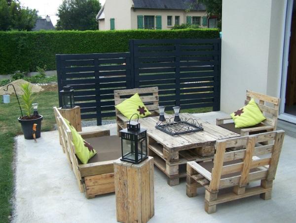 set masa canapele si fotolii din paleti de lemn