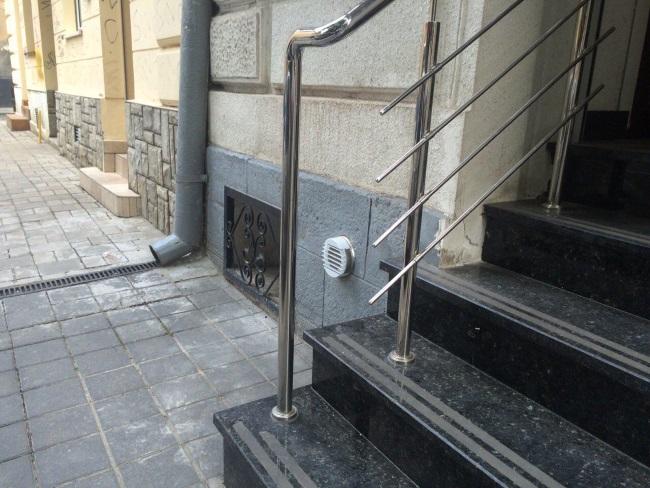 3-sistem de ventilatie cu recuperare de caldura vizibil pe peretii exteriori