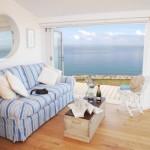 3-vedere spre oceanul atlantic din interior living mic casa de vacanta 30 mp