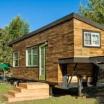 31-fatada casa mica structura lemn din materiale reciclate