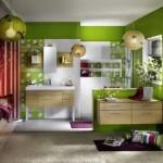 4-accente-mov-in-decorul-unei-bai-moderne-finisate-cu-verde-si-alb