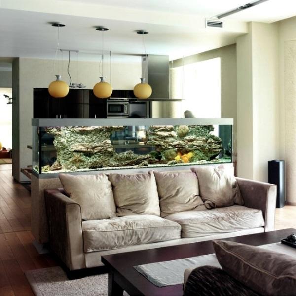 4-acvariu dreptunghiular in spatele canapelei living amenajat open space