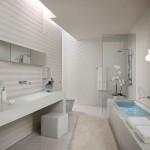 4-baie alba finisata cu diferite tipuri de finisaje