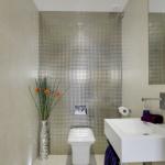 4-baie mica amenajata modern cu wc suspendat