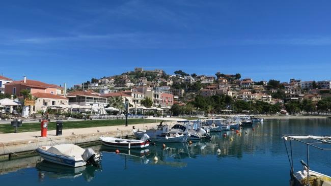 4-barci pescaresti in portul din Paralio Astros Peloponez Grecia