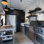 4-bucatarie moderna industriala interior casa din containere maritime