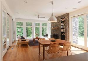 4-camera de relaxare cu semineu placat cu piatra naturala casa prefabricata design modern