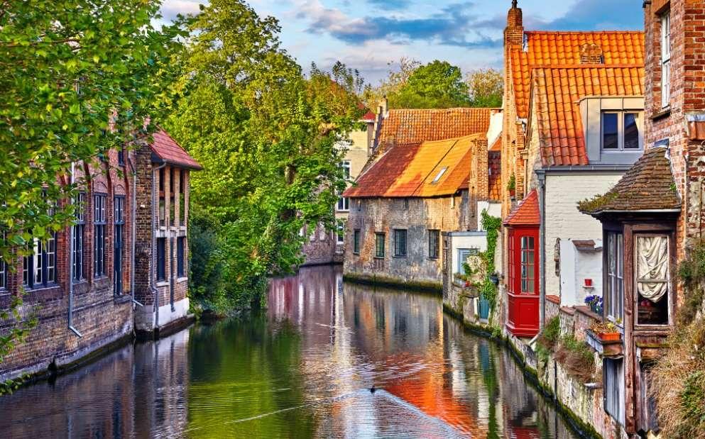 4-canal-apa-Bruges-Belgia