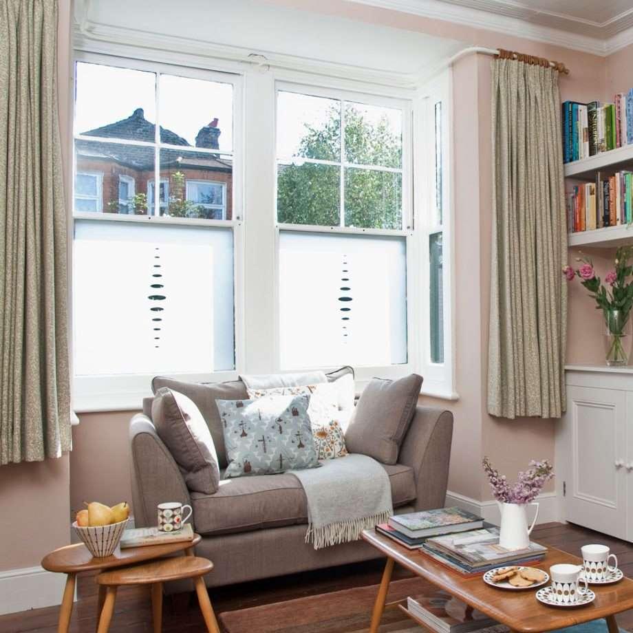 4-canapea-mica-fereastra-living-mic