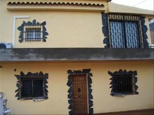 4-casa veche fatada renovata fara balustrada balcon