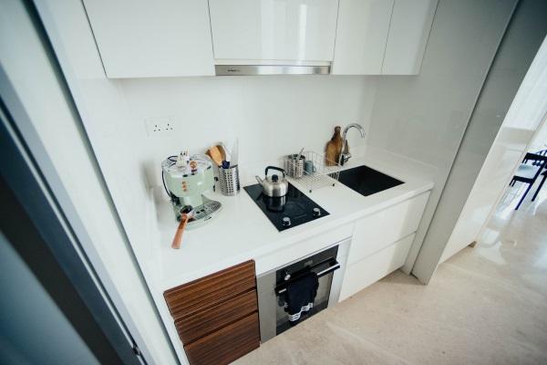 cuptor electric incorporat sub plita mobila bucatarie mica