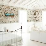 4-dormitor cu living open space casuta din piatra insula Lesvos Grecia