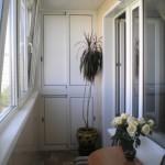 4-dulap cu usi glisante balcon mic si ingust