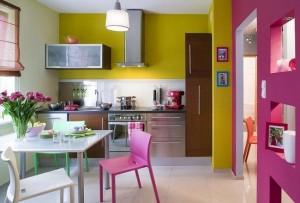 4-frigider slim integrat in mobila unei bucatarii mici