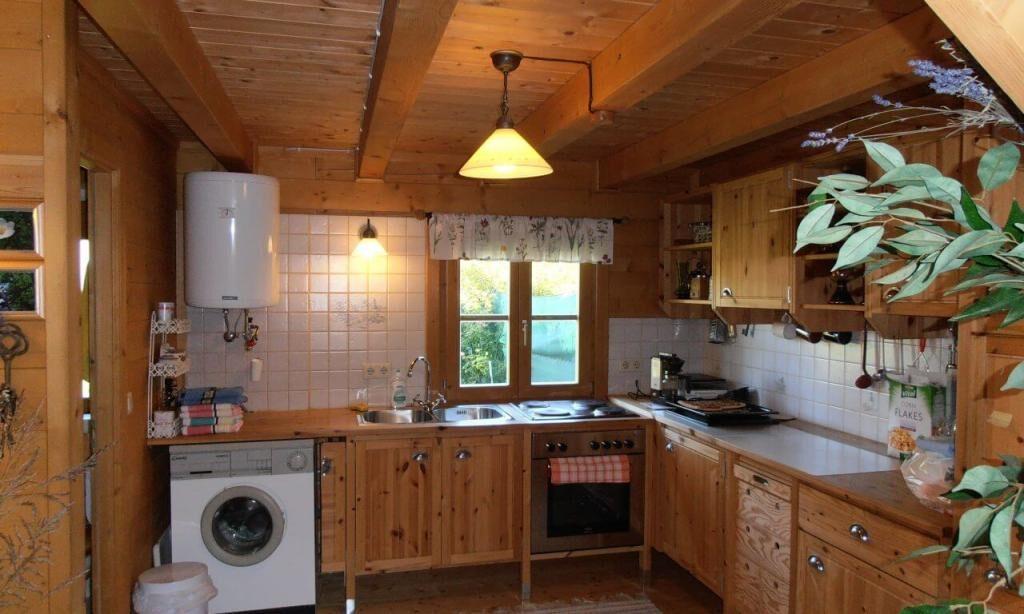 interior bucatarie casa lemn brad C124 Austria Home Design Lemn