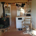 4-interior casa mica mobila din lemn suprafata totala 15 mp