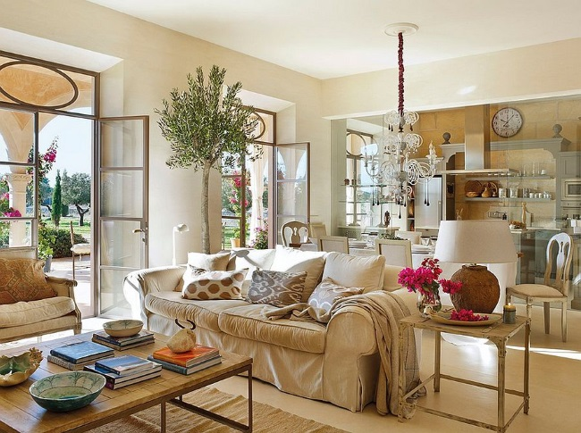 4-interior living traditional ce comunica cu bucataria casa Mallorca Spania
