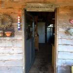 4-intrare cabana rustica lemn de pin