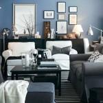 4-living cu pereti bleumarin si mobila gri