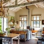 4-loc de luat masa si living open space casa amenajata in fosta scoala din piatra