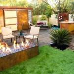 4-loc de relaxare cu foc decorativ in amenajarea unei curti mici