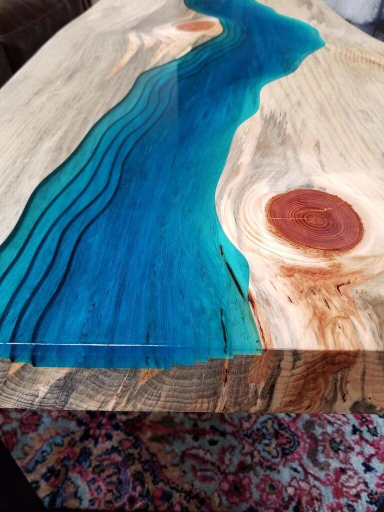 masa lemn artar cu rasina epoxidica bleu turcoaz