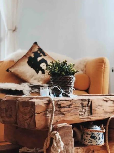 masuta cafea lemn masiv stil vintage