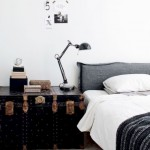 4-noptiera din cufar din piele amenajare dormitor vintage