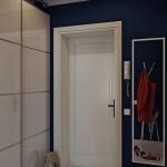 4-pereti bleumarin inchis mobila si usi interior albe amenajare hol mic apartament
