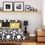 4-polita galbena decor perete gri de la capul patului din dormitor