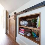 4-polite integrate in nisa din peretele dormitorului
