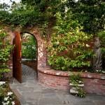 4-portita ascunsa in gradina casei