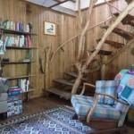4 scara interioara rustica din lemn casa de vacanta Dordogne Franta