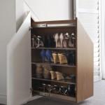 4-sertar cu polite pentru perechile de incaltaminte integrat intr-o nisa din perete