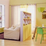 4-sugestie de impartire a livingului in mai multe arii de interes cu ajutorul unui perete despartitor