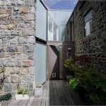 4-usa acces casa moderna placata cu piatra naturala